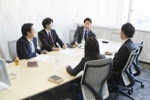 販促・収益改善対策会議の様子